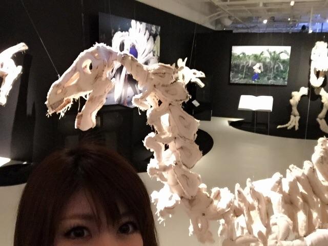 画像3: 下半身丸出し恐竜人間