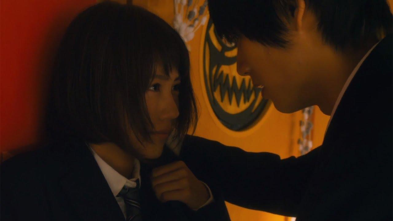 """画像: 福士蒼汰さんの壁ドンを、動画でお届けします!映画「ストロボ・エッジ」予告編 福士蒼汰が有村架純に""""壁ドン"""""""