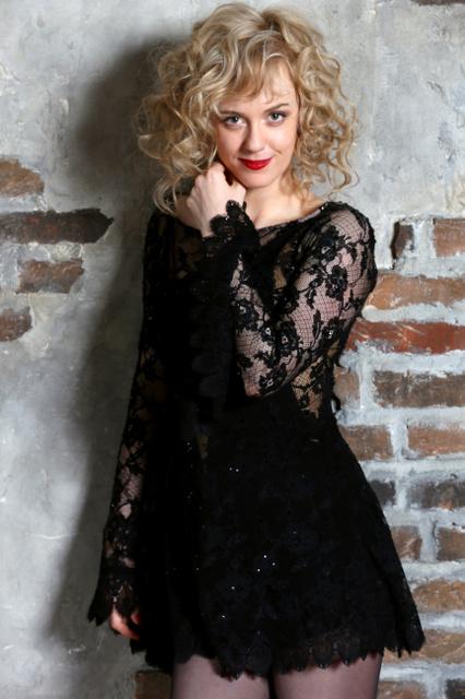 画像: 「マッサン」のエリー役のシャーロット・ケイト・フォックス、いきなりセクシーな悪女に!ブロードウェー「シカゴ」主演へ