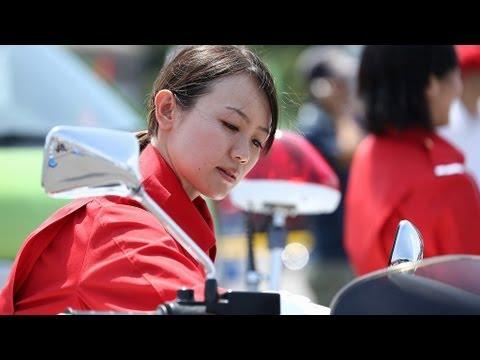 画像: 女性白バイ隊 警視庁「クイーンスターズ」 の凄技動画。みなさん、追いかけられたら素直に止まりましょう