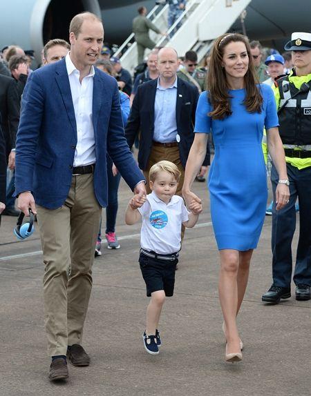 ジョージ王子 Prince George イギリス 2016年 総まとめ 総集編 一年を振り返る 総復習 ロイヤルファミリー イギリス王室 空軍 基地 戦闘機 飛行機 スキップ