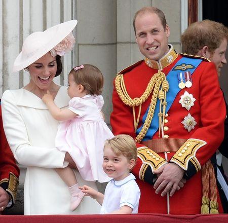 ジョージ王子 Prince George イギリス 2016年 総まとめ 総集編 一年を振り返る 総復習 ロイヤルファミリー イギリス王室 バッキンガム宮殿 誕生日 お祝い
