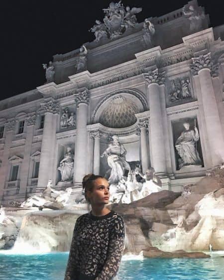 ジョセフィン・スクライヴァー Josephine Skriver 2017 年末年始 イタリア