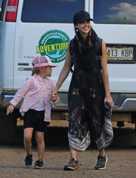 ジェシカ・アルバ Jessica Alba 2017 年末年始 ハワイ 次女 ヘイヴン