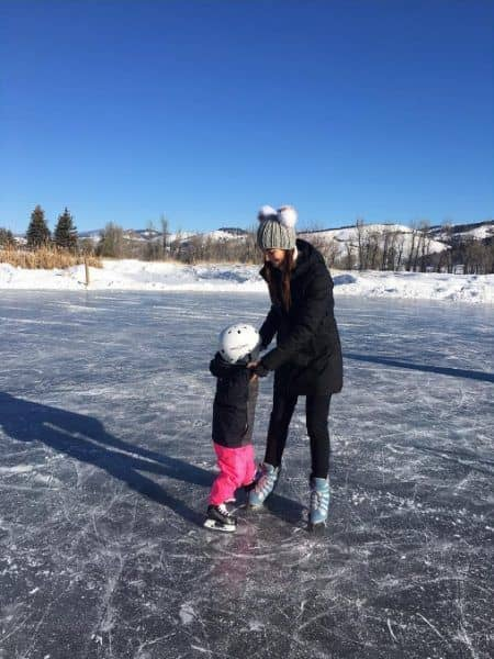 リリー・オルドリッジ Lily Aldridge 年末年始 2017 スケート 娘 ディクシー