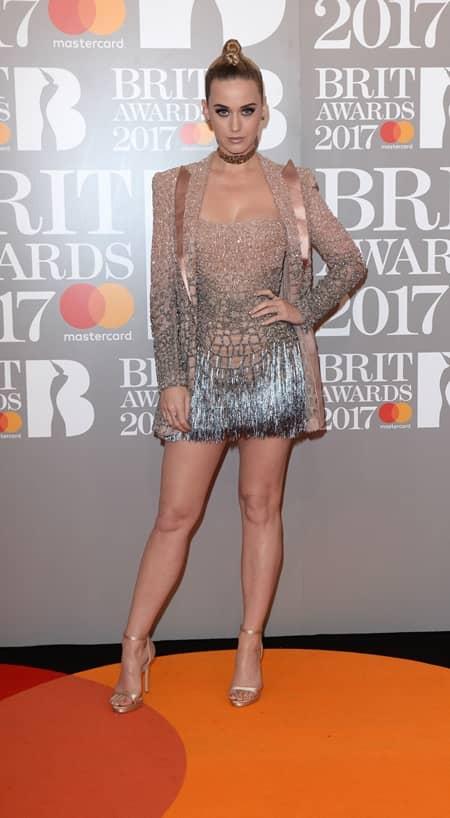 ケイティ・ペリー Katy Perry 第37回 ブリット・アワード Brit Awards 2017 レッドカーペット ドレス 着用ブランド 早出し いち早く公開