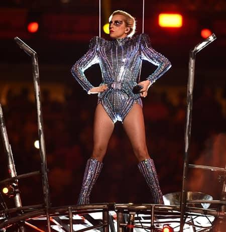 レディー・ガガ スーパーボウル ハーフタイムショー 51回 Lady Gaga Super Bowl Halftime Show Performance