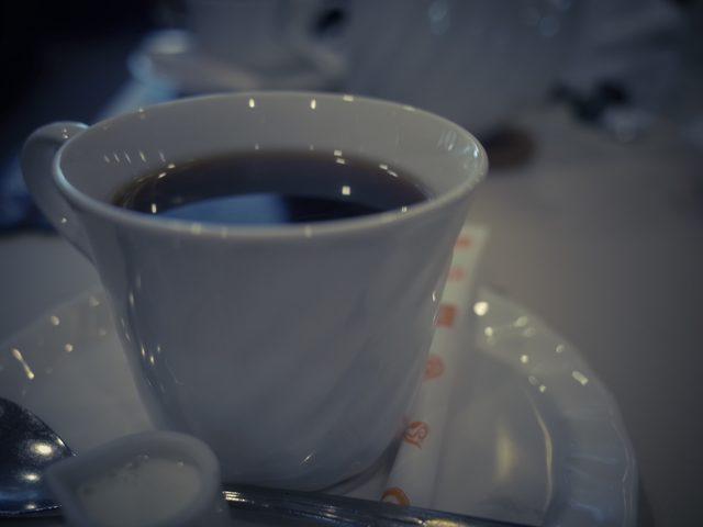 画像: A short break at a traditional cafe