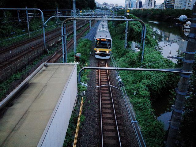 画像2: 幸運が向こう側からやってくるとしても、あなたが乗れるかどうかは分からない。