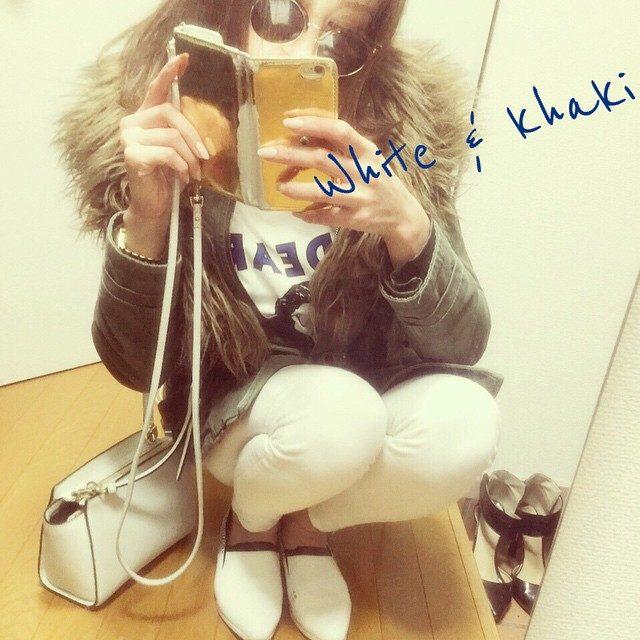 画像: #White#khaki instagram.com