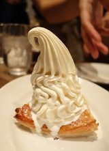 画像: 比類なきソフトクリーム「クレミア」を使用したデザートが楽しめるワインバルが誕生!!