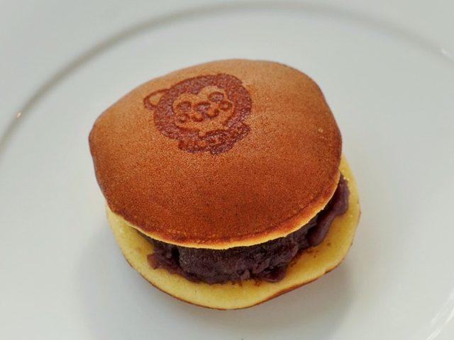 画像: 可愛いけれど味は本格派の「ハチ公どら焼き」