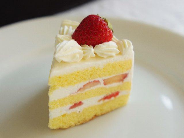 画像: これがショートケーキの元祖の「コロンバン」のショートケーキだ!!