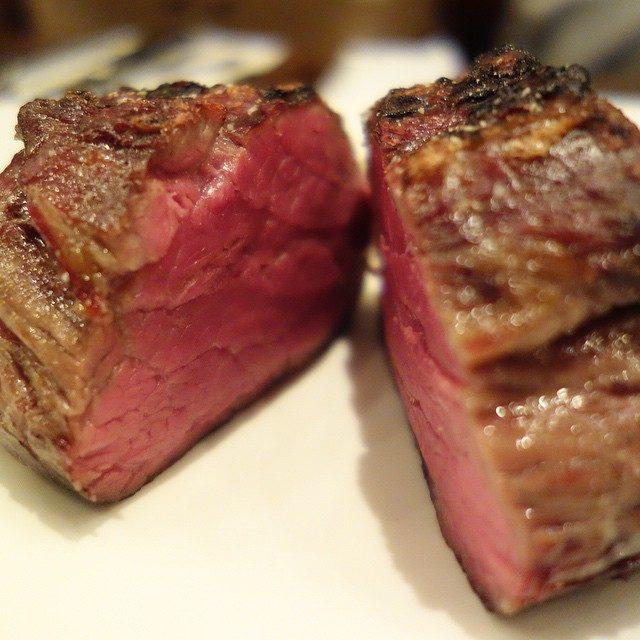 画像: 恵比寿で熟成牛肉といえばココで決まり!今夜はUSAフィレ290gでアメージングうめ〜じんぐ!! あのVIRONさんのステーキハウスですよ〜 だからパンも美味いw instagram.com