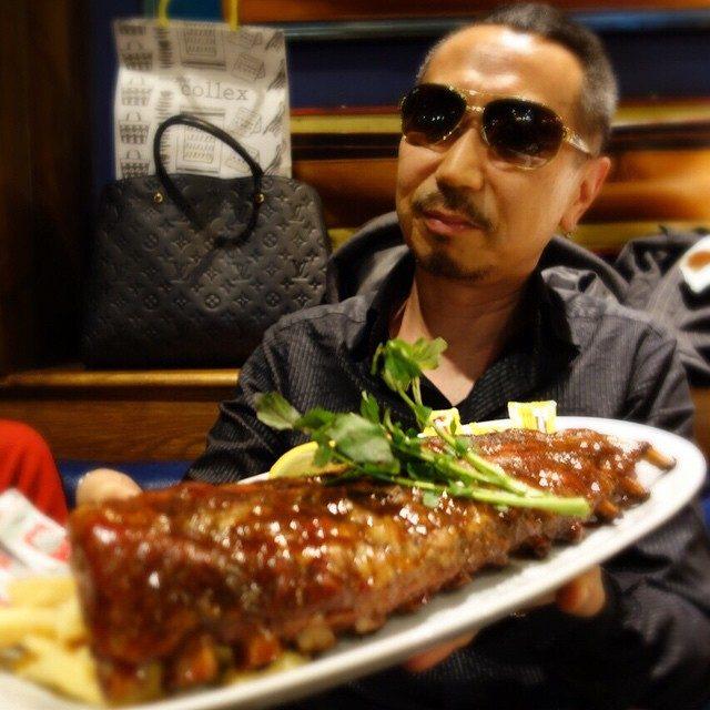 画像: やはり、今夜も肉(笑) 45センチの パイレーツBBQベビーバックリブ! instagram.com