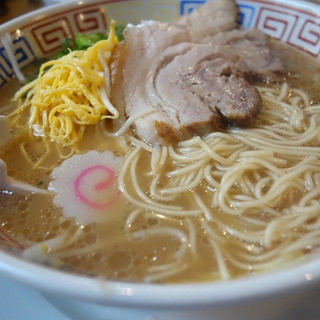 画像: 醤油とんこう、中細麺、錦糸卵とモヤシの広島ラーメンってシンプルでおいしいね。 instagram.com