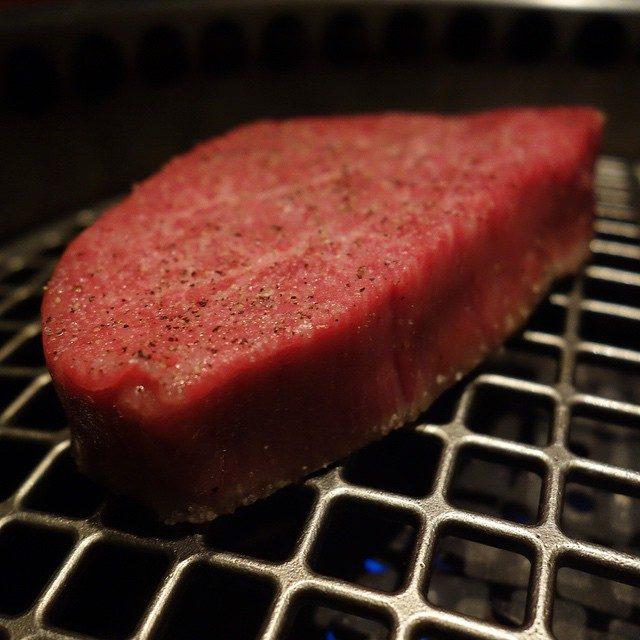 画像: ブリリアントなシャトーブリアン! 綺麗に掃除された肉は、さすがPowered by よろにく!! アメージングうめ〜じんぐ!!! instagram.com