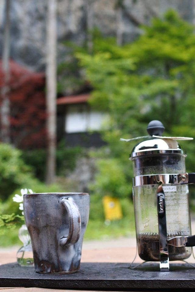 画像: スペシャリティーコーヒーは、フレンチプレスで。オーダーしたのはサンタエスラダ農園のゲイシャ種で、すっと美味しく飲み干してしまった(笑)