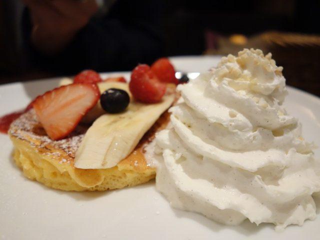 画像2: パティシエールのパンケーキは、やはり一味違う!カフェタナカ本店 パティシェ特製リコッタパンケーキ