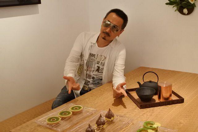 画像: 日本独自の和風個室も。日本限定メニューのモンブラン ワガシはこの部屋のみの提供