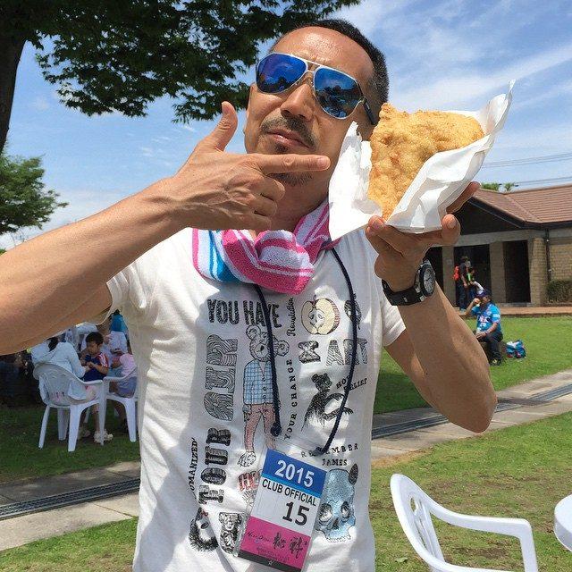 画像: 台湾B級グルメ タージーパイ!! 顔の大きさもある鶏ムネ肉のフライドチキン。 instagram.com