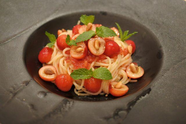 画像: ダルマット西麻布本店 -さくらんぼ(佐藤錦)とフルーツトマトのスパゲッティ―ニ