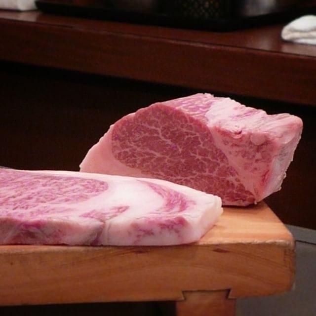 画像: 神戸ビーフの鉄板焼きがリーズナブルに楽しめる「和黒(わっこく) 」。但馬産の黒毛の和牛にこだわるから和黒なのか? 神戸ビーフのステーキはやはりヘレで決まり。サーロインも喰うけどね(笑) #神戸ビーフ #肉食男子 instagram.com