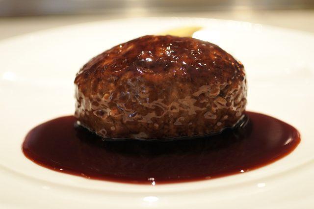 画像: 本日の銀座ランチはahill名物 特製フォワグラ入りハンバーグステーキ