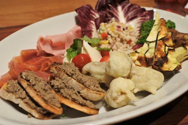 画像1: イタリアンらしい料理も充実