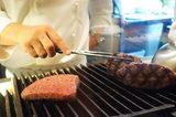 画像8: 精肉店の肉をその1.3倍の料金で熟成肉グリル&ステーキしてくれる!!