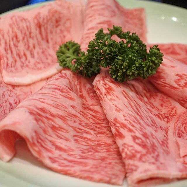 画像: 京都で初の牛肉屋「盛牛舎森田屋」に端を発するモリタ屋 丸の内店で京都牛のすき焼きなんぞでも...うっししw #すき焼き instagram.com