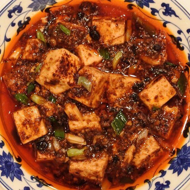 画像: 辛味と旨味の小宇宙。辛味のマジシャン井桁シェフのピャオシャンにて #麻婆豆腐 instagram.com