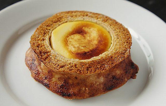 画像: バウムクーヘンとチーズケーキが合体したトランスフォームスイーツとは? - ippin(イッピン)