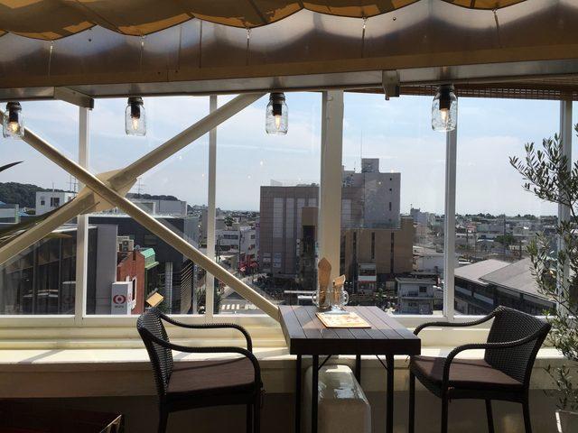画像4: 鎌倉駅前、小町通り入口の不二家のあるビル屋上に出来たハンバーガーショップ「ROOFTOPS」