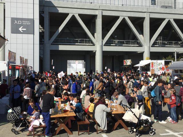 画像1: 連日、大行列の大盛況!!