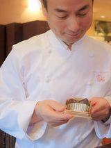 """画像1: 両社のチョコレートにかける熱い想いが一致したことから生まれた""""ケンズカフェ東京""""監修ガトーショコラ"""