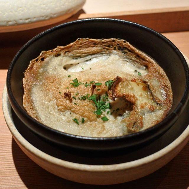 画像: コンベクションオーブンで仕上げた白子のグラタン仕立て!もちろんベシャメルソースや生クリームは使っていません。 出汁で濃厚に楽しむ一品です! #祇園にしかわ  #アメージングうめーじんぐ #kyoto www.instagram.com