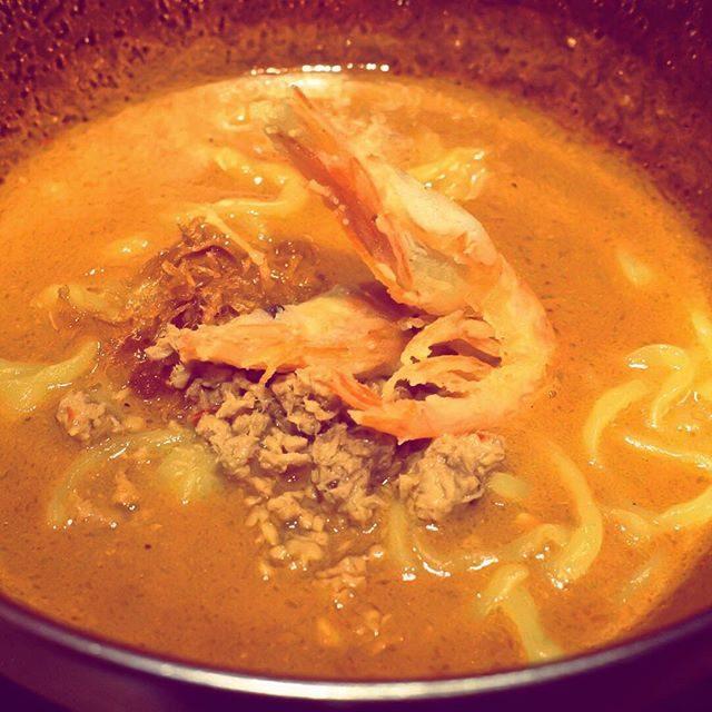 画像: 海老が無性に食べたくて #シュリンプガーデン 。 #〆の海老ラーメン の濃厚さはクセになります。極寒夜にピッタリ〜w #アメージングうめーじんぐ www.instagram.com