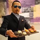 画像: 男たちよ!ホワイトデーに悩んだら #ルワンジュ東京 の #マカロン だぜ!! ゴルゴンゾーラとハチミツ、黒トリュフとチョコレートなど、アミューズブシュみたいな美味しさで大人味です!! #アメージングうめーじんぐ www.instagram.com