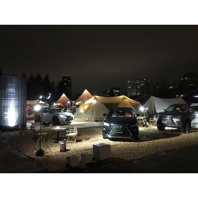 画像: 東京ミッドタウン「LEXUS CITY GLAMPING with snow peak」。 グラマラスとキャンピングを掛け合わせた造語。エロいわあ。 www.instagram.com
