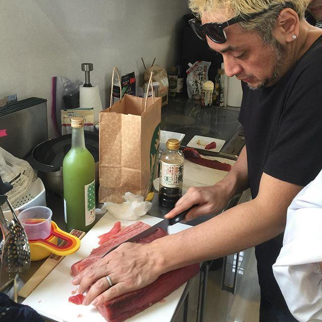 画像: 恒例の月一下北ホムパなう。今回のテーマは大人の手巻き寿司。 これが本当の  #DJすし太郎 なう! www.instagram.com