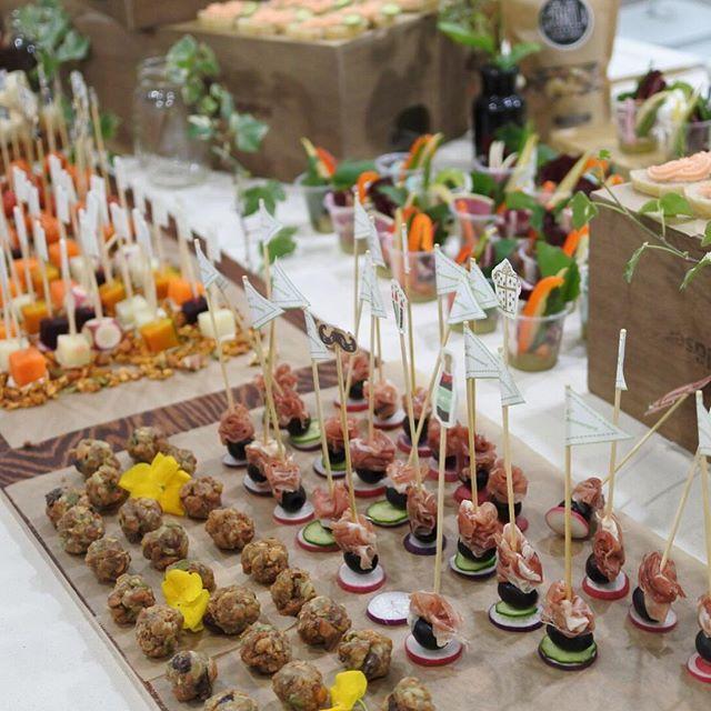 画像: ふたばベーカリー1周年パーティー! おめでとうございます 自家製グラノーラをアレンジしたパーティーフードかかわいい! 屋内でピクニック気分!! www.instagram.com