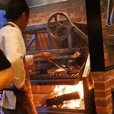 画像: wood burning grill L'IGNIS,グローバルダイングが恵比寿4丁目に新規オープンする薪グリルレストランのレセプション。 このアメリカ製の薪火グリラーが超カッコいい! 5/2グランドオープンが楽しみだね! www.instagram.com