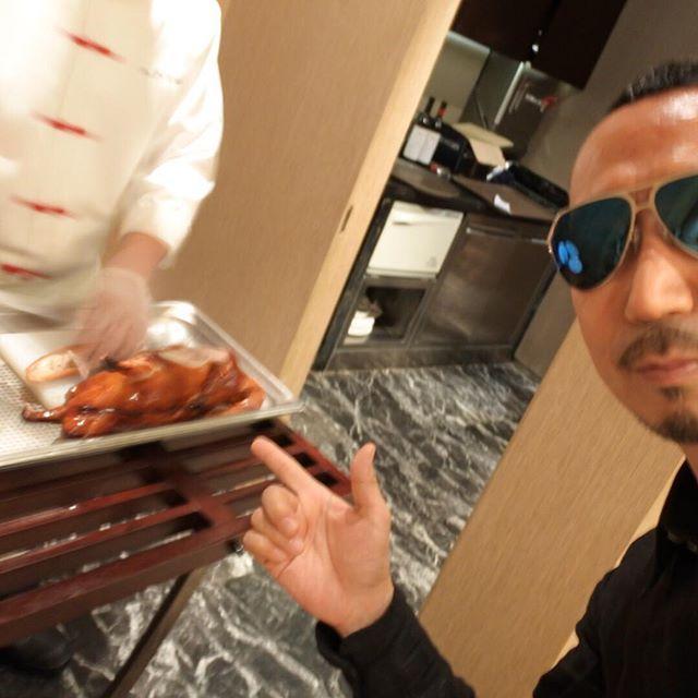 画像: 北京でお約束の北京ダック! 北京一美味しいというシャングリラホテル。 #アメージングうめーじんぐ www.instagram.com