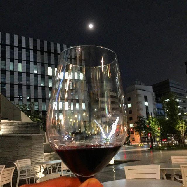 画像: 明日は #夏至 、今夜は #満月 。夏の夜は長いね〜! ワインも満月も夏も人を酔わせる(笑) www.instagram.com