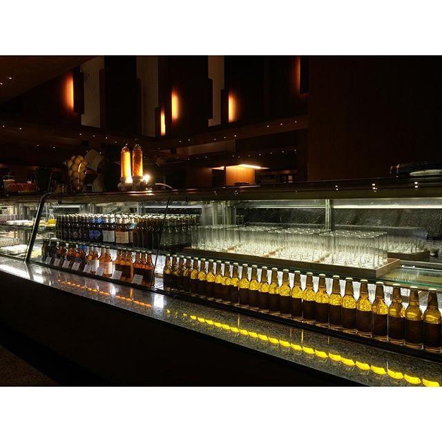 """画像: 毎年楽しみな、#パークハイアット東京 の パークブリュワリー!  20種のホップを使った華やかな香りの""""パークブリュワリーエール""""と、 今年初登場となる""""パークブリュワリーIPA""""が2時間フリーフローで楽しめ、 トルティージャやアヒージョなど、スペ ... www.instagram.com"""