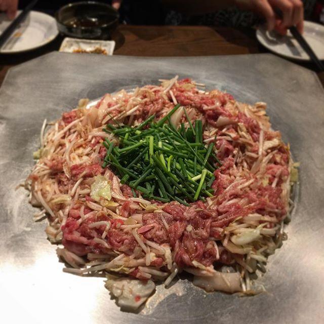 画像: 焼肉じゃないよ、#炊き肉 !! ある意味これは、肉のもんじゃ焼きだ。 #アメージングうめーじんぐ www.instagram.com