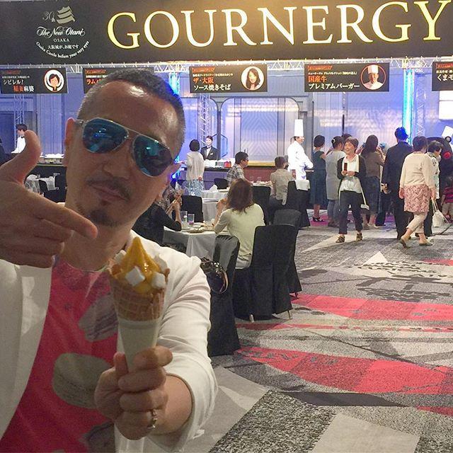 画像: 国内最強ビュッフェイベント! ホテルニューオータニ大阪の「グルナジー2016」に来ています。 #ピエールエルメ の #ソフトクリーム に仕事を忘れる(笑) www.instagram.com