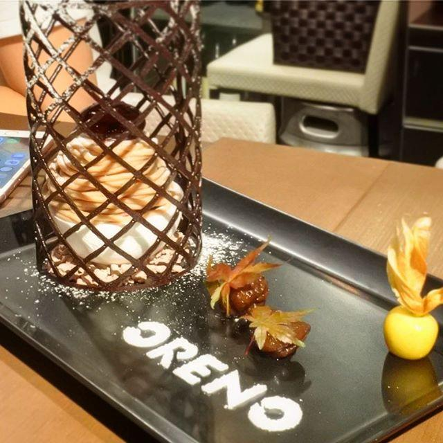 画像: 赤坂の「俺のフレンチ・イタリアン」のデセールは、今、まさに「俺のモンブラン」! サクサクメレンゲの中に、カシスのソルベ、生クリーム。その上にマロンクリーム、トップには栗を模ったカシスのクリーム。こんな本格的なアシェットデセールが650円なんて、俺の ... www.instagram.com