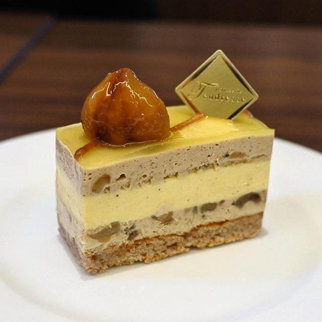画像: 孤高のパティスリー #タンドレス 久々にきたけれど、感動は初見のときと同じ! 有機栽培栗のムースとパイナップルムースのケーキ。淡い甘さとトロピカルな甘さが見事に調和して、神がかって美味しい!! #京都 #一乗寺  #アメージングうめーじんぐ  #ア ... www.instagram.com